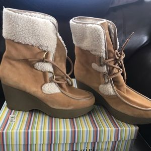 New Tommy Girl boots sz 11 natural so cute